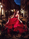 Calendrier Campari 2013 : Penelope Cruz en séductrice rouge
