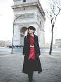 Arc de Triomphe – Elodie in Paris