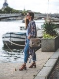 Blue Jeans – Elodie in Paris