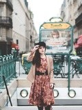 Camel look – Elodie in Paris