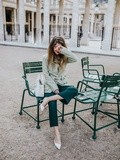 Green look – Elodie in Paris