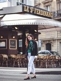 Green mood – Elodie in Paris