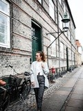 Grey outfit in Copenhagen – Elodie in Paris