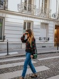 Le Jean Levi's – Elodie in Paris