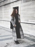 Le Manteau à Carreaux – Elodie in Paris