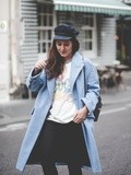 Le Manteau Bleu – Elodie in Paris