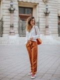 Look Camel – Elodie in Paris