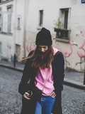 Pink Sweater – Elodie in Paris