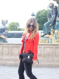 Sailor Red – Elodie in Paris