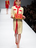 Mc Do s'invite chez Moschino f/w 2014 par Jeremy Scott