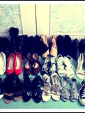 ◄ Shoes Girl ►