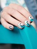 Nail art Arty version Turquoise Bloc