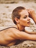 La fille du week-end Ginta Lapina par Guy Aroch