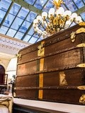 La mémoire des malles, Moynat s'expose au Grand Hôtel Intercontinental Paris