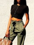 Crop top et pantalon carotte