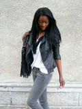Fringes, studs & leather / Des franges, des clous et du cuir
